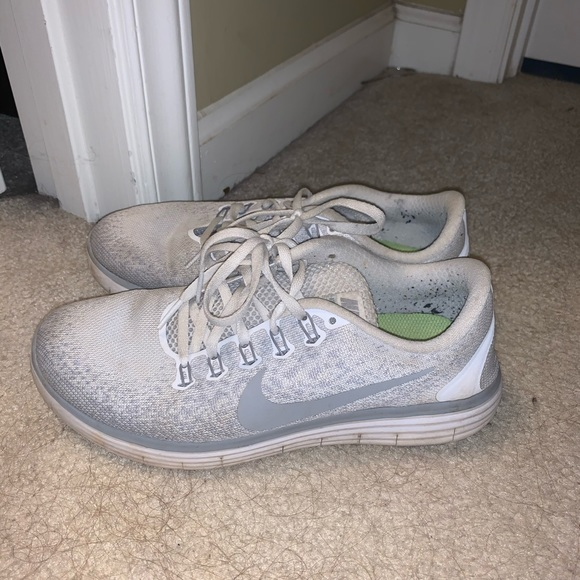Nike Shoes - White Nike shoes